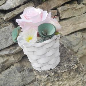 Rózsabox vintage rózsaszín virágokkal, Otthon & lakás, Dekoráció, Ünnepi dekoráció, Anyák napja, Ballagás, Virágkötés, A  virágdoboz rózsaszín vintage selyemvirágokkal készült , apró virágokkal és zöldekkel lett díszítv..., Meska