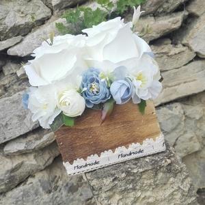Rózsabox fa dobozban vintage kék-fehér virágokkal (vintageajandek) - Meska.hu