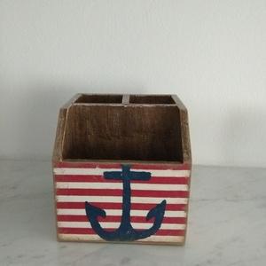 Vintage stílusú tengerész mintás tároló doboz/tolltartó/smink tartó, Otthon & lakás, Dekoráció, Lakberendezés, Tárolóeszköz, Doboz, Decoupage, transzfer és szalvétatechnika, Festett tárgyak, Különleges stílusú tengerész mintás 3 fakkos  doboz.\nHasználható asztali tolltartóként vagy  smink t..., Meska