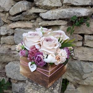 Rózsabox fa dobozban vintage cappucinó-mályva virágokkal (vintageajandek) - Meska.hu