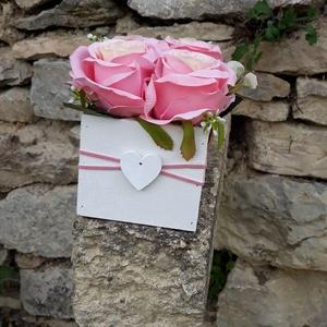 Rózsabox   fa dobozban vintage rózsaszín selyem virágokkal, Csokor & Virágdísz, Dekoráció, Otthon & Lakás, Virágkötés, Virágdoboz rózsaszín  vintage színekből álló selyemvirágokkal készült és zöldekkel lett díszítve.  \n..., Meska