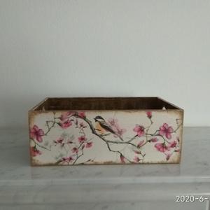 Vintage stílusú madárkás tároló doboz /asztali tolltartó/sminktartó/ékszertartó, Otthon & lakás, Dekoráció, Lakberendezés, Tárolóeszköz, Doboz, Decoupage, transzfer és szalvétatechnika, Festett tárgyak, PEDAGÓGUSNAPRA  TANÁR-TANÍTÓ ÉS ÓVÓ NÉNIKNEK\n\nKülönleges stílusú tavaszi hangulatú,madárkás mintás  ..., Meska