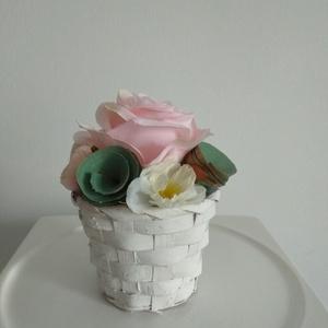 Rózsabox vintage rózsaszín virágokkal, Csokor & Virágdísz, Dekoráció, Otthon & Lakás, Virágkötés, Közeledik Valentin-nap ,Nőnap és Anyák napja. Lepd meg szeretteid egy ilyen különleges örök selyemvi..., Meska