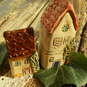 Szomszédok, Otthon & Lakás, Ház & Kert, Kerti dísz, Kerámia, Szobrászat, Az apró házikók mindig elvarázsolnak,akár fából,akár kerámiából készülnek.Otthonosak,bájosak,szeretn..., Meska