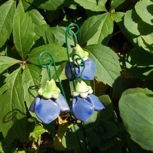 Csengő-bongó    virágok, Otthon & Lakás, Ház & Kert, Kerti dísz, Kerámia, .Fehérre égő agyagból készítettem ezeket az antikolt kék mázas  virágokat.   A teljes virágfej átmér..., Meska