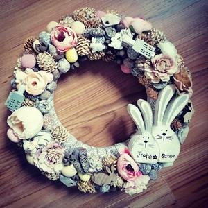 Tavaszi Nyuszi ajtódísz, Otthon & Lakás, Dekoráció, Ajtódísz & Kopogtató, Virágkötés, Mindenmás, Tavaszi koszorú, Nyuszipárral!\n\nBevont alapra készült, pasztell színvilágú ajtódísz, kb. 30 cm átmér..., Meska