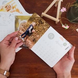 Karácsonyi fényképes kártya naptár állvánnyal, Otthon & lakás, Naptár, képeslap, album, Naptár, Fotó, grafika, rajz, illusztráció, 12 hónap fényképekkel fektetett 12*20 cm méretű kártyákon, melyhez apró festő állványt adunk ajándék..., Meska