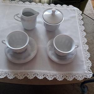 Törtfehér asztali futó/terítő horgolt szélcsipkével (Viola14) - Meska.hu