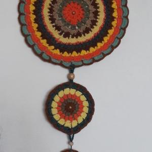 """Horgolt mandala álomfogó/falikép, Mandala, Dekoráció, Otthon & Lakás, Horgolás, A mandala szó a szankszkrit """"mágikus kör"""" kifejezésből ered. A mandala a világmindenséget jelképezi,..., Meska"""