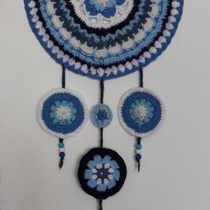 """Mandala álomfogó/falikép horgolt, Mandala, Dekoráció, Otthon & Lakás, Horgolás, A mandala szó a szankszkrit """"mágikus kör"""" kifejezésből ered. A mandala a világmindenséget jelképezi,..., Meska"""