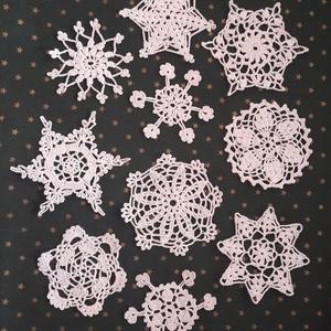 Horgolt hópehely csomag, Otthon & Lakás, Karácsony & Mikulás, Karácsonyfadísz, Horgolás, A hópelyhek a tél pillangói, a karácsony hírnökei, hiszen úgy szép a karácsony, ha fehér.\nEzeket a s..., Meska