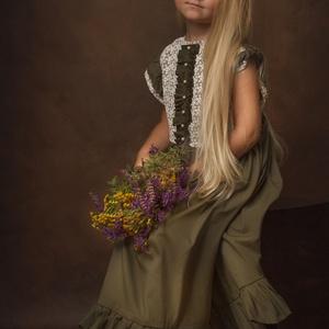 Pipitér lányka ruha, Táska, Divat & Szépség, Ruha, divat, Gyerekruha, Gyerek (1-10 év), Varrás, Csipke díszítéssel készített pamutballon lányka ruha. 5 éves korosztály számára tökéletes alkalmakra..., Meska