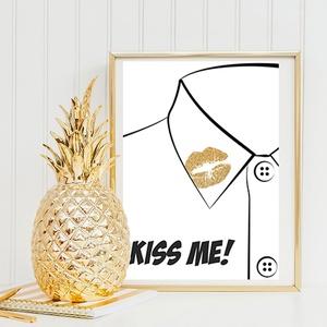 Kiss me! grafika, arany glamour csillogás, Dekoráció, Otthon, lakberendezés, Képzőművészet, Naptár, képeslap, album, Fotó, grafika, rajz, illusztráció, Kiss me! feliratú grafika, arany rúzsnyom inggalléron. Csajos, glamouros szobába ajánlom. Kiváló mi..., Meska