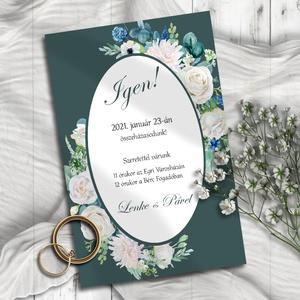 Esküvői meghívó fehér és kék virágokkal, Meghívó, Meghívó & Kártya, Esküvő, Fotó, grafika, rajz, illusztráció, Törtfehér rózsák és kék színű apróbb virágok keretezik ezt a meghívót, elegáns petrolkék háttéren.\n\n..., Meska