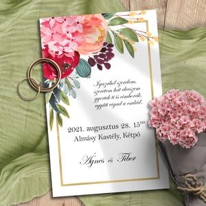 Esküvői meghívó tarka virág bokréta, Esküvő, Meghívó, ültetőkártya, köszönőajándék, Otthon & lakás, Naptár, képeslap, album, Képeslap, levélpapír, Fotó, grafika, rajz, illusztráció, Vidám, színes virágokból kötött bokréták díszítik ezeket a meghívókat, vékony arany kerettel. A sokf..., Meska