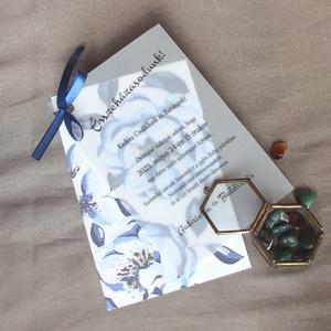Pausz esküvői meghívó kék virágokkal, Esküvő, Meghívó & Kártya, Meghívó, Fotó, grafika, rajz, illusztráció, Ezeknek a meghívóknak a különlegessége a pauszpapír áttetszőségében rejlik. A pausz papírra kerül a ..., Meska