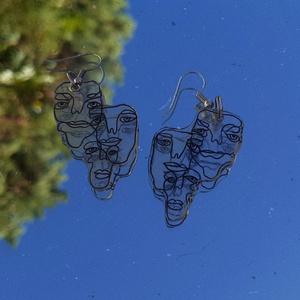 Arcos fülbevaló, Ékszer, Fülbevaló, Lógó fülbevaló, Zsugorka, Zsugorfóliából készült saját mintás fülbevaló. , Meska