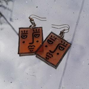 Arcos fülbevaló, Ékszer, Fülbevaló, Lógó fülbevaló, Zsugorka, Zsugorkából készült rajzolt fülbevaló., Meska
