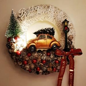 Arany autós kopogtató - világítós , Karácsony & Mikulás, Karácsonyi kopogtató, Virágkötés, A karácsonyi világítós kisautó garantáltan meghozza a karácsonyi hangulatot. \n\nTermék mérete: 20 cm-..., Meska