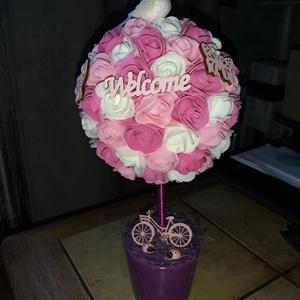 Rózsaszín virág gömb fa :) , Csokor & Virágdísz, Dekoráció, Otthon & Lakás, Virágkötés, Nikecel gömbre ragasztottam polifoam virágokat, a kaspót kibéleltem, került rá lila sisal, de tudom ..., Meska