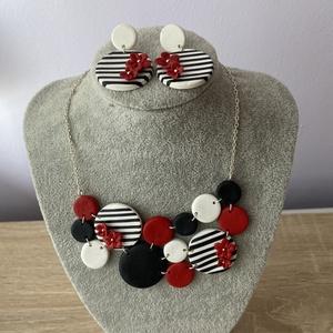 Black-Red-White szett, Ékszer, Ékszerszett, Gyurma, A nyaklánc és fülbevaló süthető gyurmából készült. A nyaklánc szélessége 11 cm, magassága 5,5 cm. A ..., Meska
