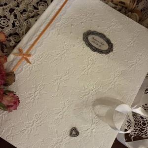 Esküvői vendégkönyv rendelésre, Vendégkönyv, Emlék & Ajándék, Esküvő, Decoupage, transzfer és szalvétatechnika, A 4 -es méretű 50 lapos esküvői vendégkönyv vagy emlékkönyv. Hófehér lapokkal készült az esküvő szín..., Meska