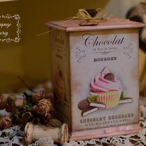 Nagy kekszes - kakós , csokis doboz , Doboz, Tárolás & Rendszerezés, Otthon & Lakás, Decoupage, transzfer és szalvétatechnika, Fából készült nosztalgia kekszes ( kakós, kávés, csokis) doboz. 19x14 cm -es méretű  cuki kis darab...., Meska