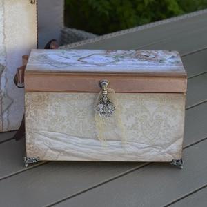 Romantikus ékszeres, emlékes, féyképes doboz , Ékszer, Ékszerdoboz, Ékszertartó, Rendelésre készült ez a romantikus ékszeres doboz. Ha te is szeretnél hasonlót akkor minták miatt ké..., Meska
