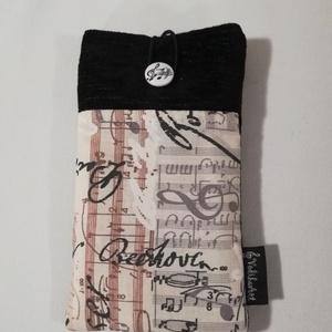 Beethoven feliratű  mobiltok, Táska, Táska, Divat & Szépség, Pénztárca, tok, tárca, Mobiltok, Egyéb, Varrás, Elején a vászon kottás és zeneszerzők neveivel írt.\nEzen Beethoven neve szerepel a középpontban. Ha ..., Meska