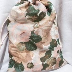 Zöld rózsás kenyeres zsák,  bélelt, Konyhafelszerelés, Otthon & lakás, Kenyértartó, NoWaste, Varrás, Dekor vászonból készítettem ezt a bélelt kenyeres zsákot.\nBőven belefér 1 kg kenyér. Saját tapasztal..., Meska