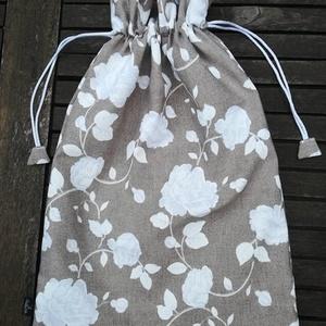 Tejeskávé és fehér rózsák.......kenyeres zsák , PUL-lal bélelt, Kenyeres zsák, Bevásárlás & Shopper táska, Táska & Tok, Varrás, Kevert szálas dekor vászonból  PUL béléssel készítettem, A PUL bélés egy légáteresztő, frissen tartó..., Meska