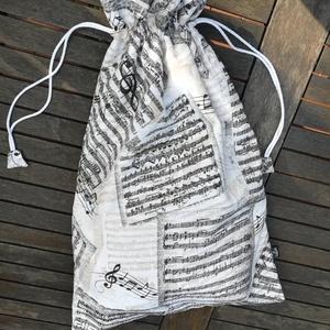 Hangszerek és hangjegyek.......  kenyeres zsák, PUL-lal bélelt, Táska & Tok, Bevásárlás & Shopper táska, Kenyeres zsák, Varrás, Dekor vászonból  készült, PUL légáteresztő béléssel.  Hétvégi házba, hajóra, vízpartra, tópartra, fo..., Meska