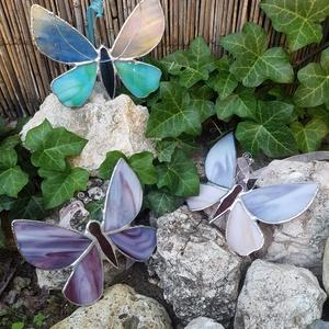 Nagy üveg pillangó, Lakberendezés, Otthon & lakás, Dekoráció, Kerti dísz, Üvegművészet, Tiffany technikával készült 16 cm széles és 12 cm magas türkizkék és zöld üveg pillangó. Réz merevít..., Meska