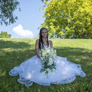 Hófehér esküvői örökcsokor minőségi virágokból, Esküvő, Menyasszonyi- és dobócsokor, Virágkötés, Eddig legszebb munkám keresi legszebb menyasszonyát! Kifinomult, ízléses, viszafogott, de mégis tren..., Meska