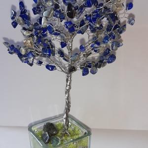 Lápisz lazuli ásványfa, Otthon & Lakás, Dekoráció, Dísztárgy, Gyöngyfűzés, gyöngyhímzés, Lápisz lazuli kőből álló ásványfa, 200 db. pontosan. 22 cm. magas és 12 cm. széles a lomb résznél. S..., Meska