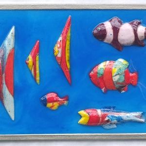 Vidám halak ., Otthon & Lakás, Dekoráció, Dísztárgy, Mindenmás, Festészet, \nA halak  nikecellből lettek  faragva ,csiszolva ,az alkotó elemek mügyantába áztatott  kézzel feste..., Meska