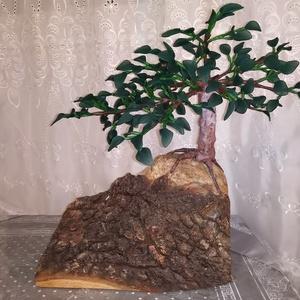 """Bonsai \""""Sutokkingu\"""", Otthon & Lakás, Dekoráció, Csokor & Virágdísz, Famegmunkálás, Egy harisnyavirág technológiával készült bonsai fa, tölgyfa dombra ültetve.\nA talp tömör tölgyfa, eg..., Meska"""