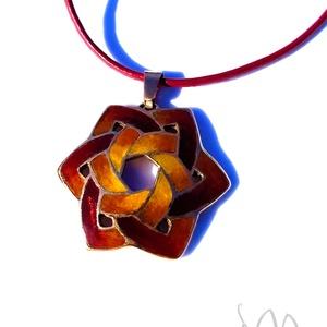 Druida - Kelta stílusú tűzzománc medál (bordó-arany-narancs), Ékszer, Medálos nyaklánc, Nyaklánc, Ékszerkészítés, Tűzzománc, Meska