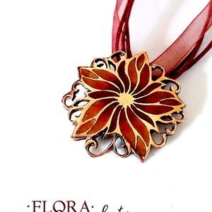 Flora - Borzaskata tűzzománc medál, Ékszer, Medál, Nyaklánc, Tűzzománc, Ékszerkészítés, Gyönyörű, nőies virágot mintázó, áttört forrasztott alapra készült tűzzománc medál, ragyogó vörös-na..., Meska