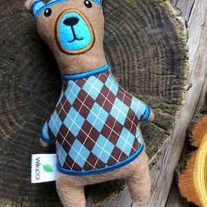 Barna-kék kockás pulcsis sapkás retro mackó fiú kabala bábú, Játék & Gyerek, Plüssállat & Játékfigura, Maci, Varrás, Hímzés, Meska