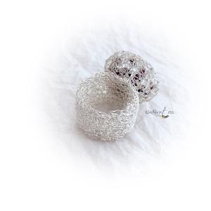 Gyűrű,gránátokkal , fémcsipke (windprincess) - Meska.hu