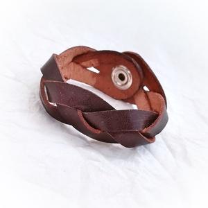 Fonott bőr karkötő, barna (windprincess) - Meska.hu