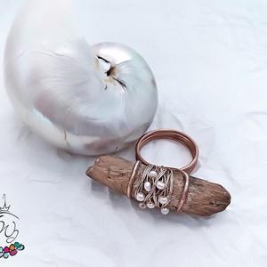 Gyűrű tengeri uszadékfából, gyöngyökkel (windprincess) - Meska.hu