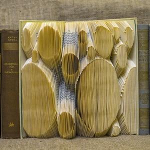 """Pöttyök - hajtogatott könyv origami - Játékos - Könyvszobor - Ajándék - Non figuratív - E185, Dekoráció, Otthon & lakás, Dísz, Lakberendezés, Papírművészet, Hajtogatott könyv vagy más néven könyv origami. \nFiús színben is rendelhető - \""""It\'s a boy feliratos ..., Meska"""
