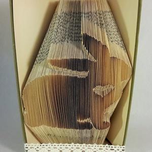 Nyúl mintájú hajtogatott könyv origami, nyuszi szeretőknek, nyuszis ajándék, állatbarátoknak, húsvéti, E376, Könyvszobor, Dekoráció, Otthon & Lakás, Papírművészet, Újrahasznosított alapanyagból készült termékek, Hajtogatott könyv vagy más néven könyv origami. \n\n****ALAP INFORMÁCIÓK****\nA hajtogatott könyv ideál..., Meska