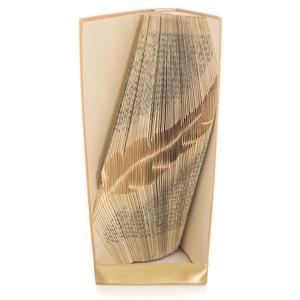 Toll alakú hajtogatott könyvszobor, Író ajándék, Költő, Tanárnak, Művészet E866, Egyéb, Dekoráció, Otthon & lakás, Lakberendezés, Asztaldísz, Papírművészet, Hajtogatott könyvszobor vagy más néven könyv origami.  \n\n****ALAP INFORMÁCIÓK****\nA hajtogatott köny..., Meska