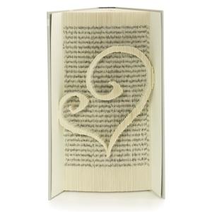 Szív alakú szerelmes könyvszobor, Esküvőre, Lakodalomba, Nászajándéknak, Dekoráció, Otthon & lakás, Esküvő, Lakberendezés, Dísz, Papírművészet, Újrahasznosított alapanyagból készült termékek, Hajtogatott könyv vagy más néven könyv origami. \n\n****ALAP INFORMÁCIÓK****\nA hajtogatott könyv ideál..., Meska
