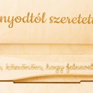 Szülőköszöntő fakanál esküvőre anyának, házassági ajándék, esküvői ajándék, gravírozott díszdobozban - Meska.hu
