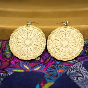 """Napraforgó mandala fa ékszer - virágos - fülbevaló - lézervágott - natúr ékszer - spirituális - felnőtt színező - béke, Ékszer, Lógós kerek fülbevaló, Fülbevaló, Stílusos, egyedi tervezésű a """"Napra forgó Mandala"""" fülbevaló.   Ideális ajándék hölgyeknek bármely a..., Meska"""