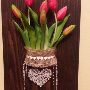Rózsaszín tulipános, Csokor & Virágdísz, Dekoráció, Otthon & Lakás, Famegmunkálás, Festett tárgyak, Tulipán befőttesüvegben\nSzegelt, fonalazott kép\nA fa mérete: 40*25 cm\nSzíne: sötét barna\nHátulján ak..., Meska